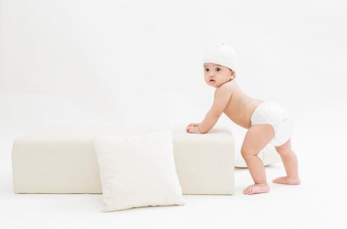 Perkembangan Bayi 11 Bulan