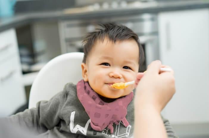 perkembangan-bayi-7-bulan-halodoc