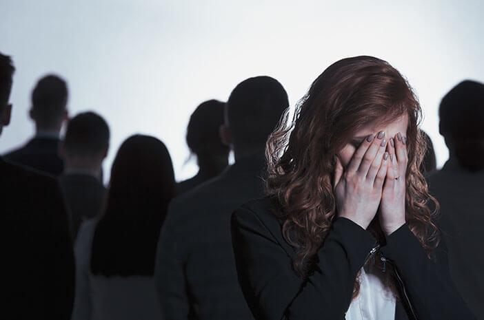 Punya Banyak Teman Juga Bisa Sebabkan Depresi
