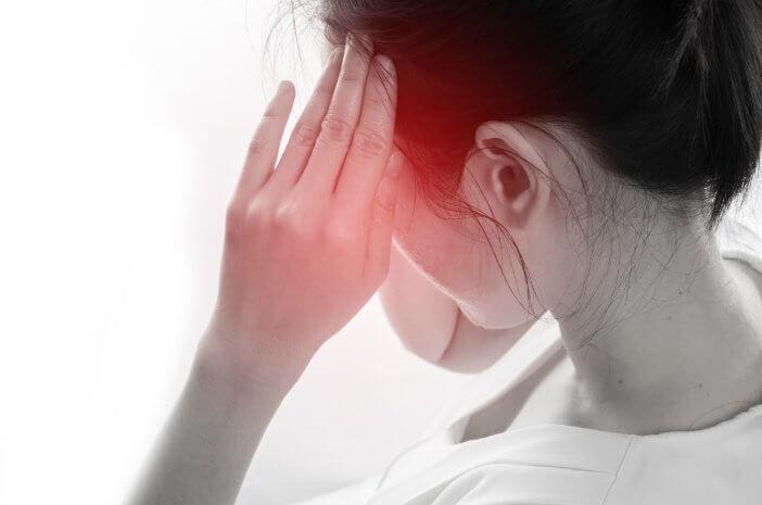 rentan-dialami-orang-dewasa-kenali-tanda-tension-headache-halodoc