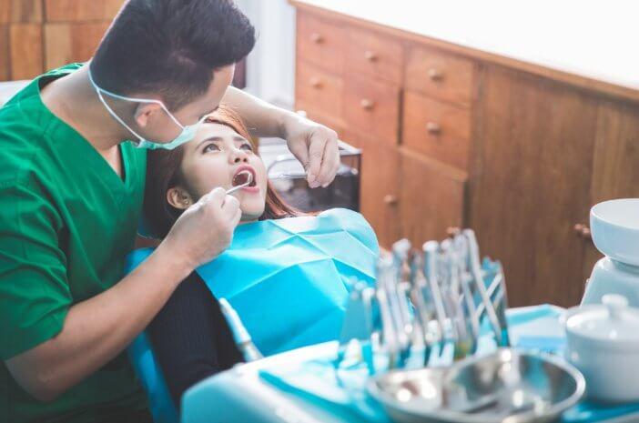 Rutin Periksa Gigi untuk Cegah Abses Gigi