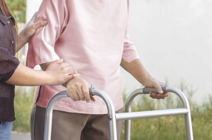 Sama Merusak Saraf, Ini Bedanya Neuropati Diabetik dan Stroke