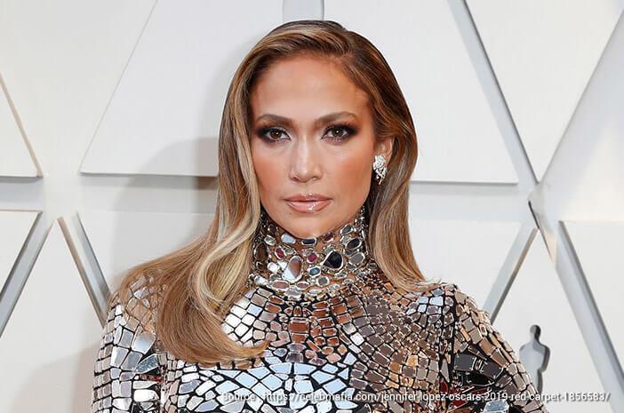 Secantik J.Lo, Ini Tips Kecantikan Kulit di Usia 50-an