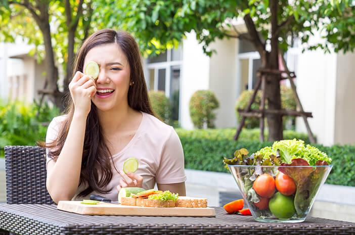 Sekalian Diet, Bolehkah Sahur dan Berbuka Hanya dengan Sayur?