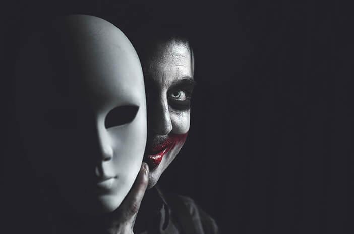 Seperti Tersenyum, Ini Bahaya Smiling Depression di Balik Sosok Joker