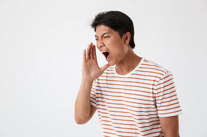 Sering Gunakan Suara Berlebihan, Waspada Laringitis
