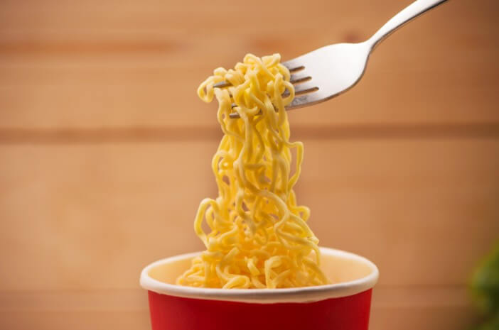 Sering Makan Mie Instan Tingkatkan Risiko Kolesistitis, Benarkah?