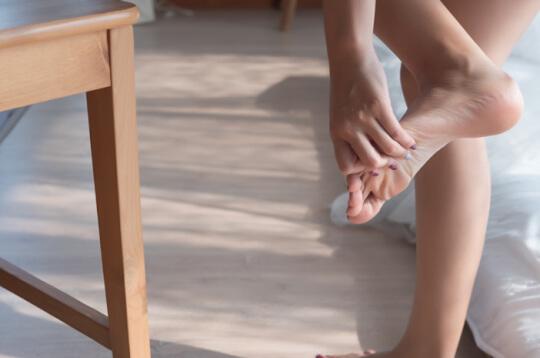 Sering Pakai Sepatu Sempit Sebabkan Cantengan, Kok Bisa?