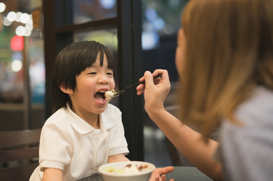 Si Kecil Alergi Kacang? Awas, Perhatikan 13 Makanan Ini
