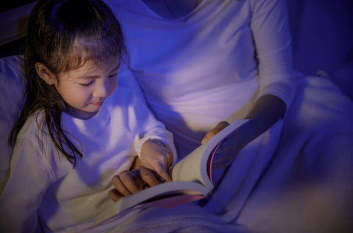 Si Kecil Susah Tidur saat Malam, Ini Cara Mengatasinya