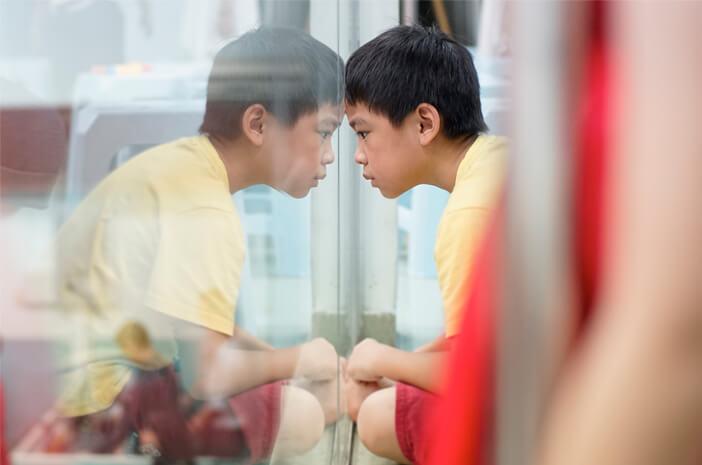 Sindrom Asperger Bisa Membuat Pengidapnya Sulit Berinteraksi