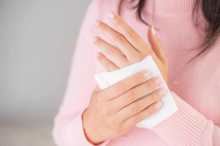 Tangan Berkeringat Tanda Terkena Penyakit Jantung?