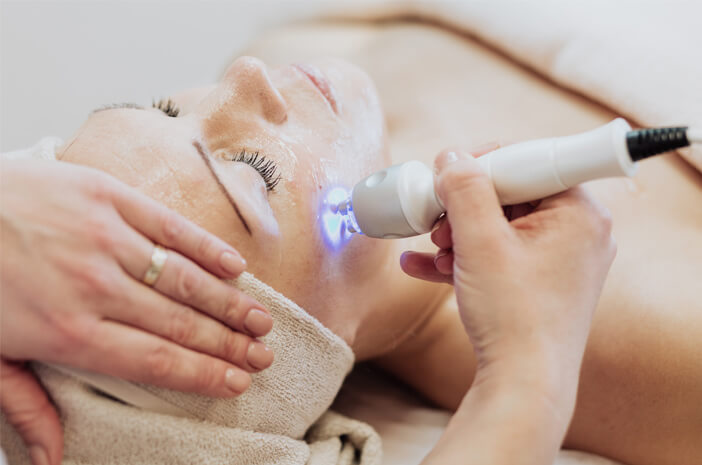 Terapi Laser untuk Hilangkan Flek Hitam, Efektifkah?