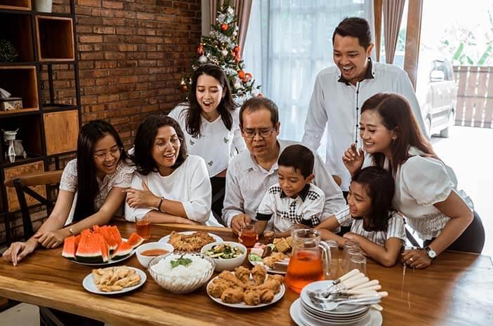 Tips Makan Sehat saat Liburan Natal