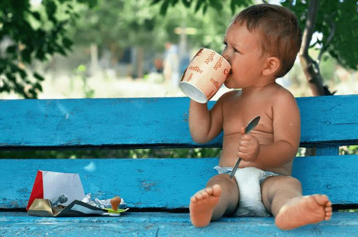 Viral Bayi Diberi Kopi, Apa Bahayanya?