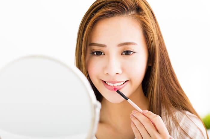 Waspada, Penggunaan Makeup Bisa Sebabkan Angioedema