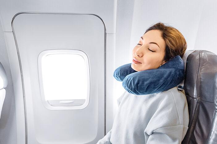 8 Cara Atasi Jet Lag saat Liburan ke Luar Negeri