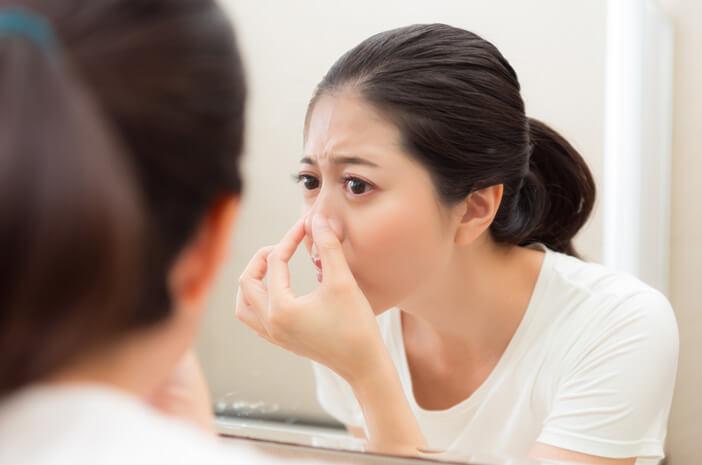 5 Cara Merawat Wajah yang Tepat agar Terhindar dari Komedo