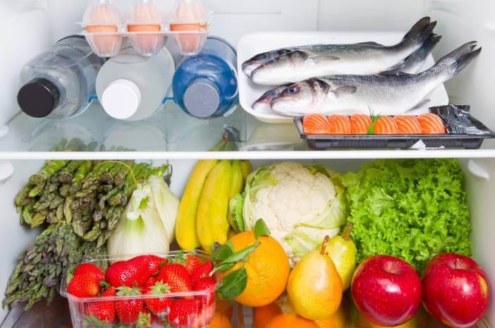 makanan yang rusak disimpan di freezer