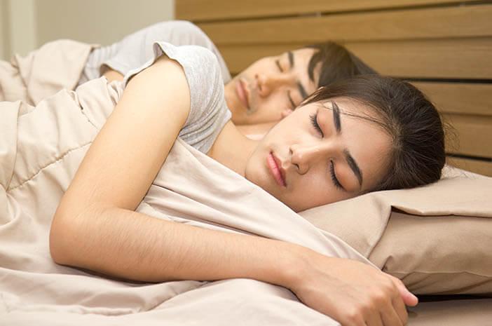 3 Tips Mesra dengan Pasangan, Meski Bertahun-tahun Menikah