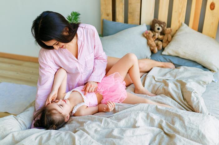 6 Tips Untuk Membangunkan Si Kecil Saat Sahur